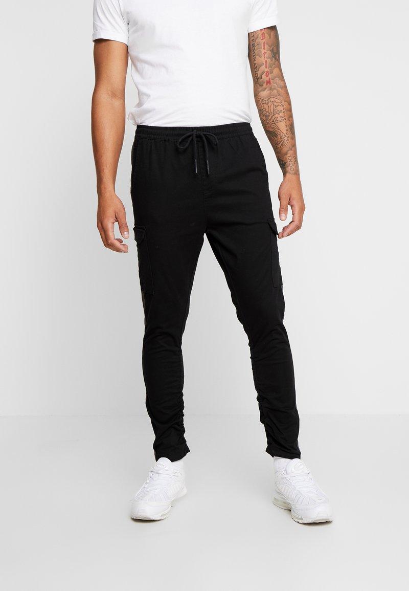 Brave Soul - HADDONSTRIPE - Cargo trousers - black/grey