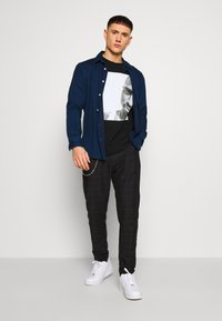 Brave Soul - CHESTER - Trousers - dark grey - 1