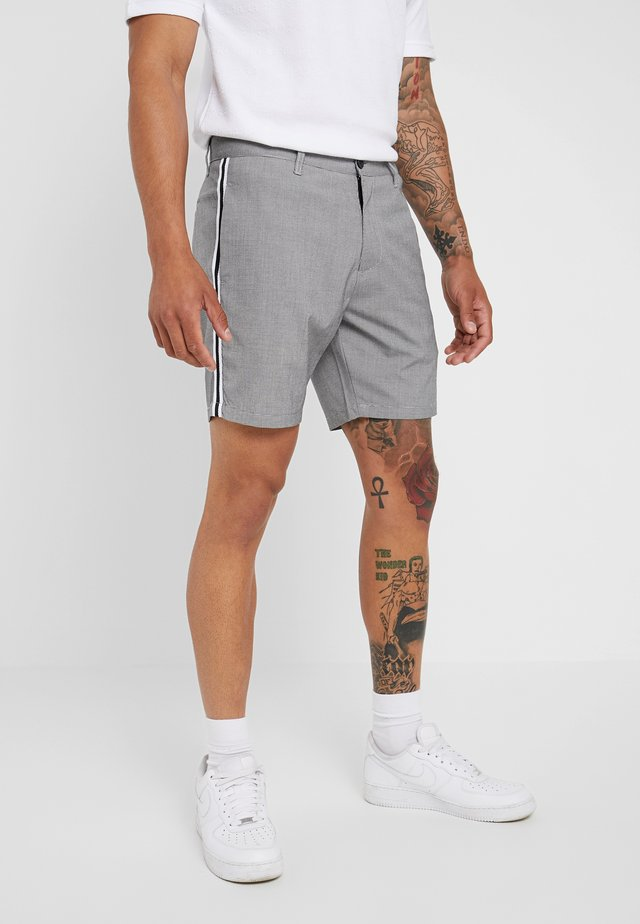 STERLING - Shorts - black/white