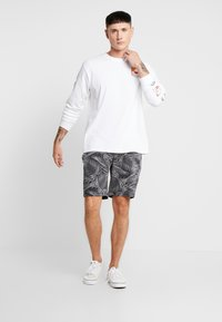 Brave Soul - MAUI - Shorts - black/grey - 1
