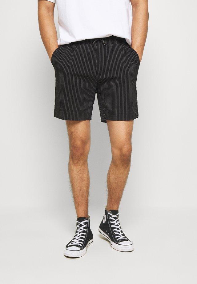 BUCK - Short - black