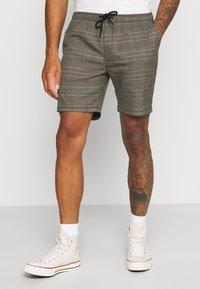 Brave Soul - Shorts - black/grey/red check - 0