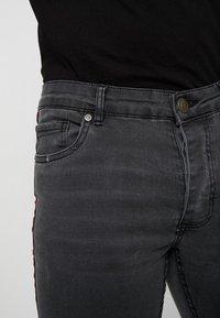 Brave Soul - JOHNNY - Jeans Skinny Fit - charcoal wash - 3