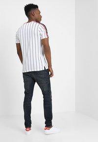 Brave Soul - TIGON - T-shirt print - white - 2