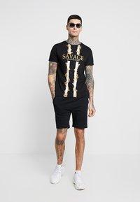 Brave Soul - SAVAGE - T-shirt con stampa - black - 1
