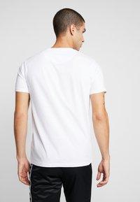 Brave Soul - STACK 3 PACK - Basic T-shirt - white - 2
