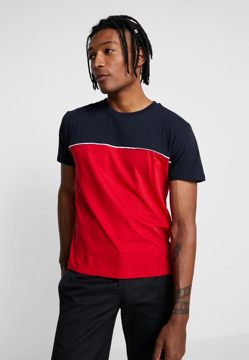 Brave Soul - STANLEY - Print T-shirt - rich navy/red/optic white