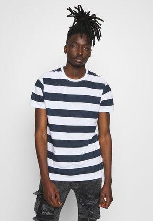LUMMING - Camiseta estampada - navy/ white