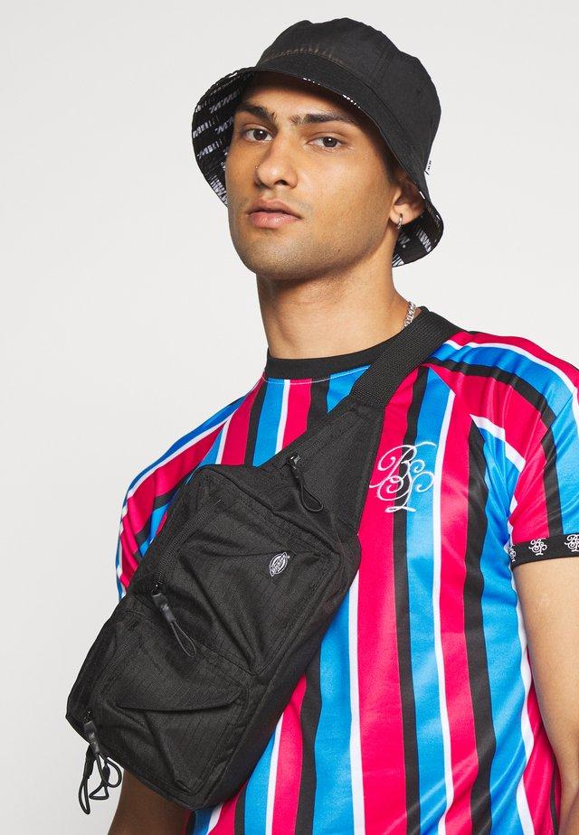 CYAN - Print T-shirt - black/ blue/ purple