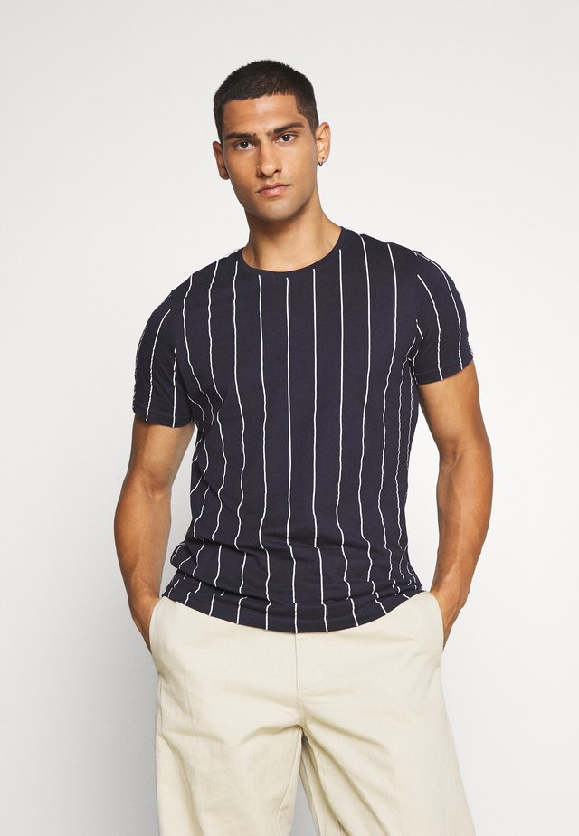 FLYNN - T-shirt con stampa - blue/white