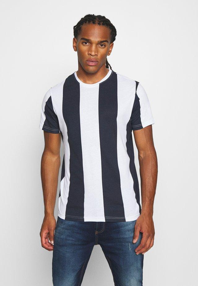 BERTONIB - T-Shirt print - optic white/rich navy