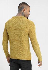 Brave Soul - DHARMA - Stickad tröja - mustard - 2
