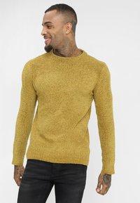 Brave Soul - DHARMA - Stickad tröja - mustard - 0