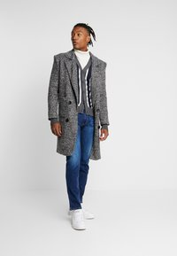Brave Soul - DUTTON - Cardigan - dark grey marl/navy/ecru - 1