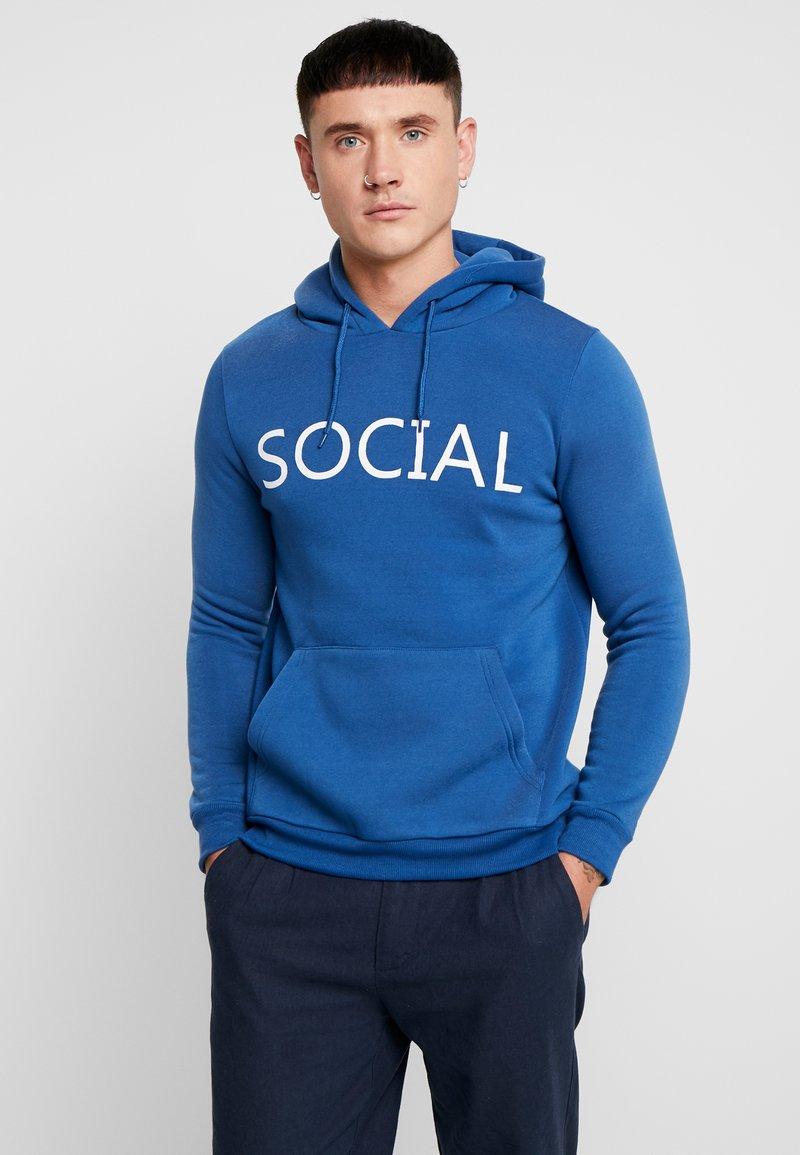 Brave Soul - SOCIAL - Jersey con capucha - cobalt/optic white