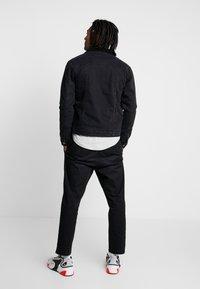 Brave Soul - RIVERDALBORG - Veste en jean - black denim - 2