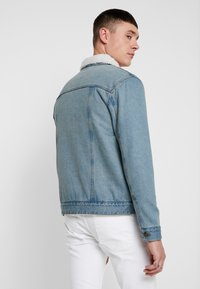 Brave Soul - LARSONBORG - Trainingsjacke - light blue denim/cream - 4