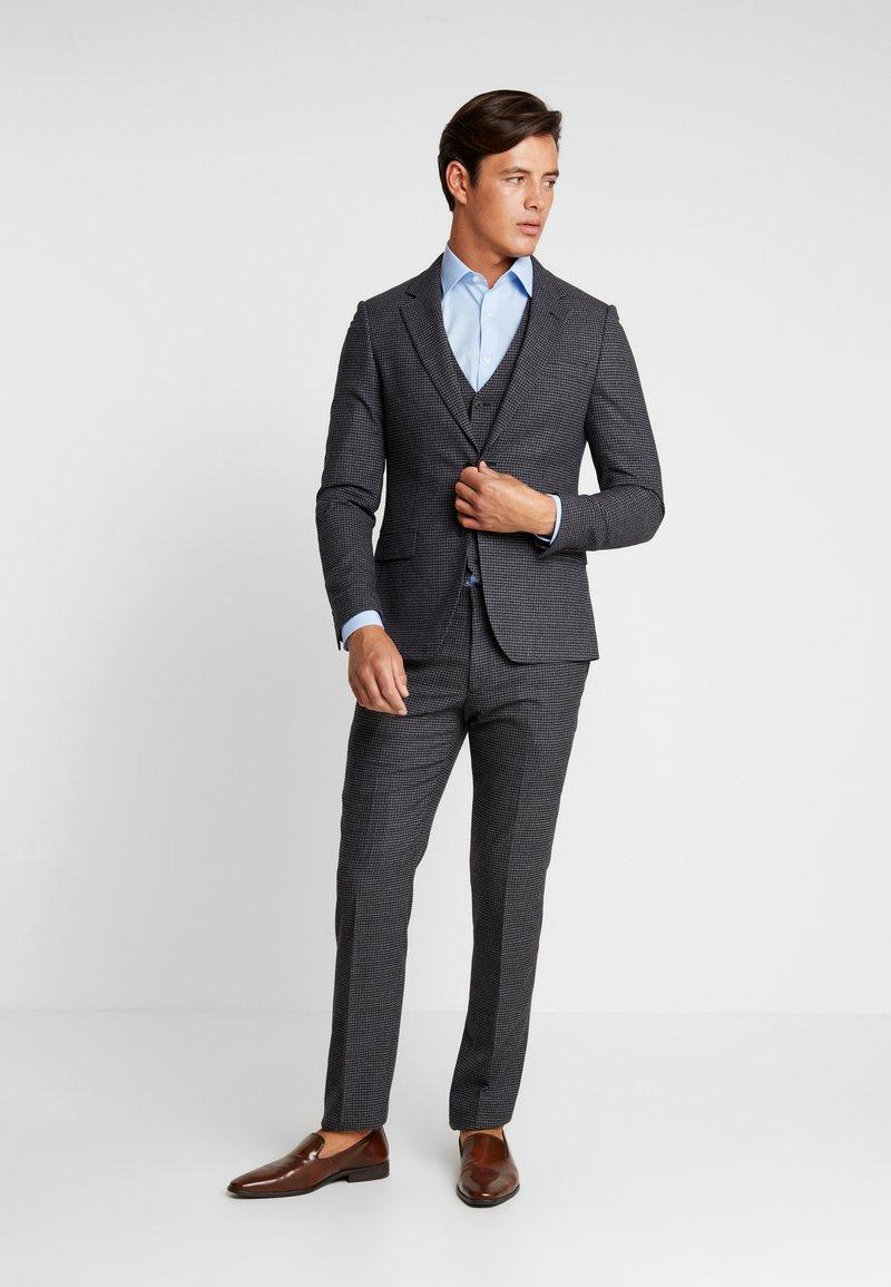 Bruun & Stengade - TYLER SLIM SUIT SET - Kostym - grey