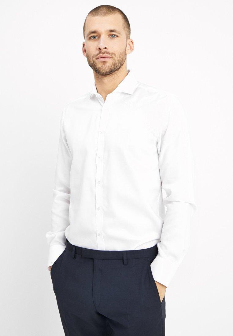 Bruun & Stengade - XAVIER SLIM FIT - Camisa elegante - white