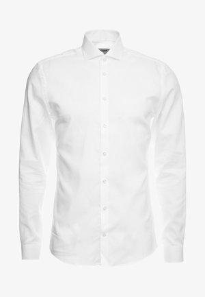 LUTHER - Koszula biznesowa - white