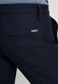 Bruun & Stengade - KLAY - Pantalones chinos - navy - 5