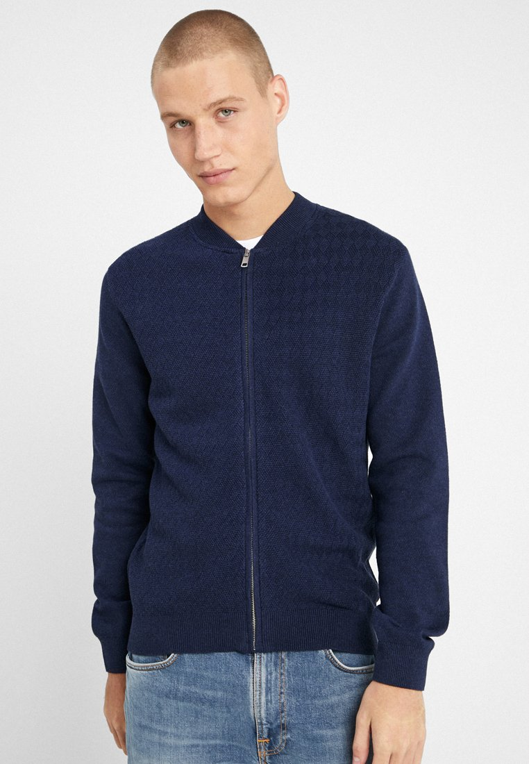 Bruun & Stengade - VINNIE REGULAR FIT - Chaqueta de punto - navy