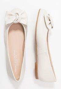 Brenda Zaro Wide Fit - WIDE FIT CARLA - Ballet pumps - ivory - 3