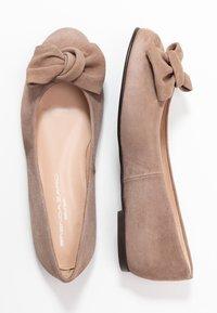 Brenda Zaro Wide Fit - WIDE FIT CARLA - Ballet pumps - taupe - 3