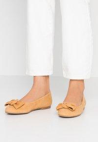 Brenda Zaro Wide Fit - WIDE FIT CARLA - Ballet pumps - aroine - 0