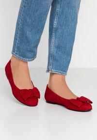 Brenda Zaro Wide Fit - WIDE FIT CARLA - Ballet pumps - red - 0
