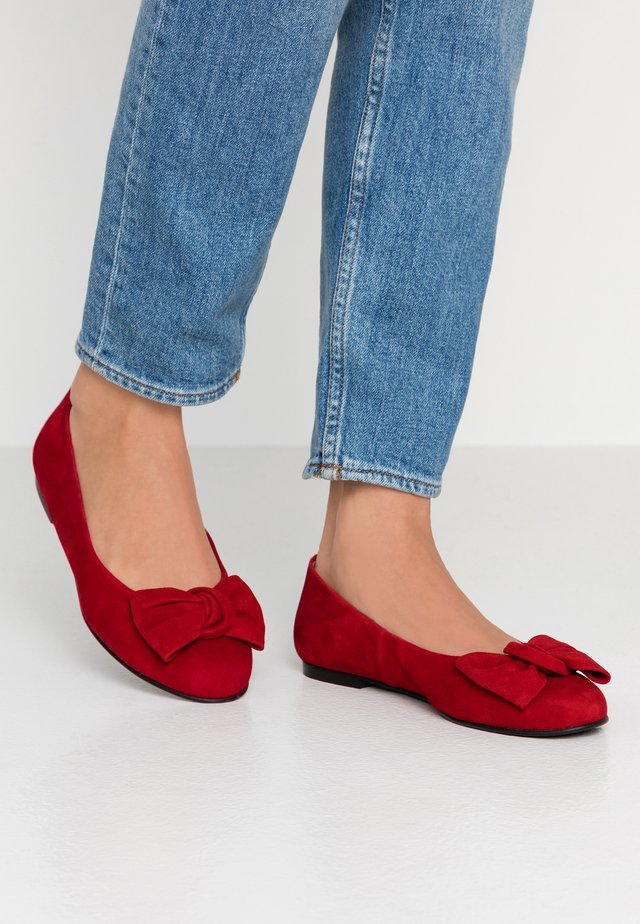 WIDE FIT CARLA - Ballet pumps - red