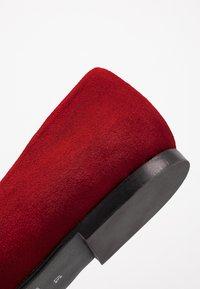 Brenda Zaro Wide Fit - WIDE FIT CARLA - Ballet pumps - red - 2