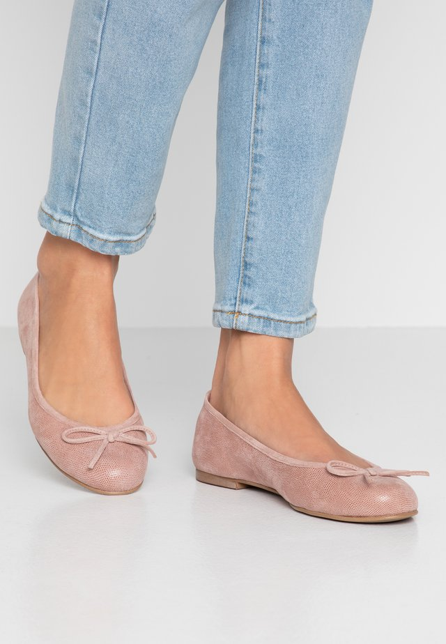 WIDE FIT CARLA - Ballerines - rose