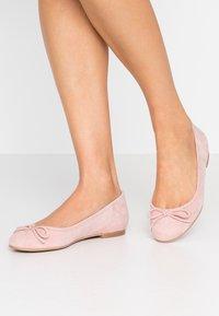 Brenda Zaro Wide Fit - WIDE FIT CARLA - Ballet pumps - nude - 0