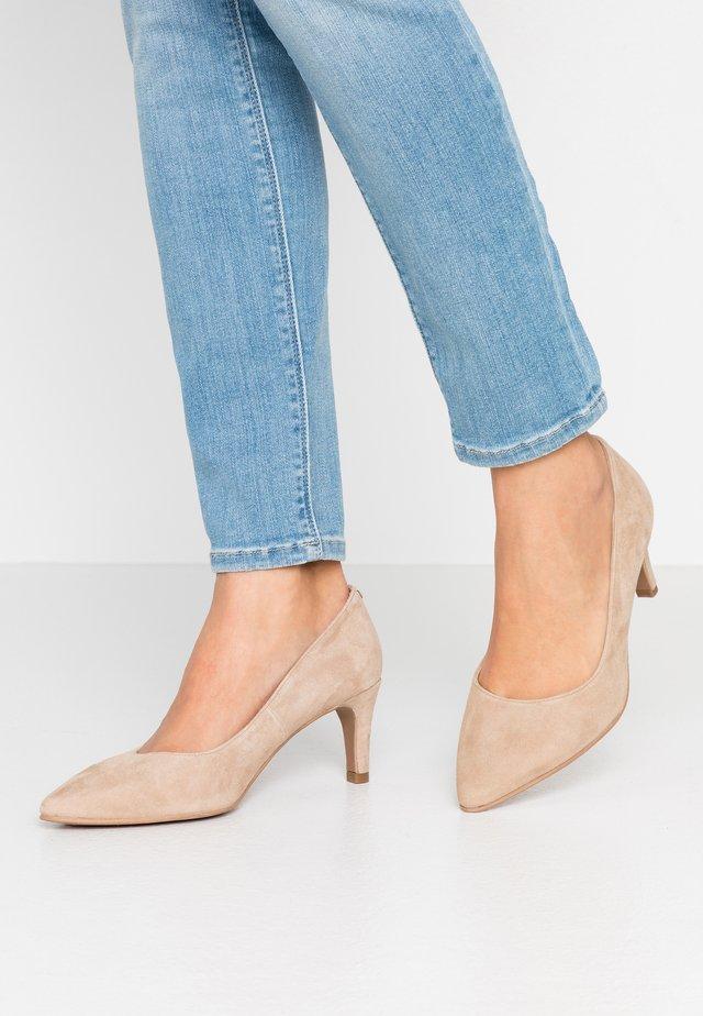 WIDE FIT BENETT - Classic heels - pietra