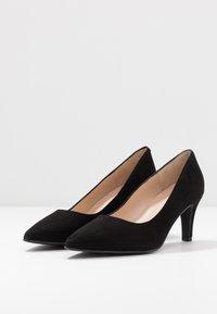 Brenda Zaro Wide Fit - WIDE FIT BENETT - Classic heels - nero - 4