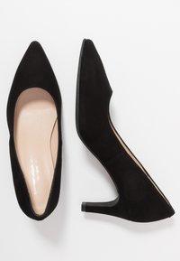 Brenda Zaro Wide Fit - WIDE FIT BENETT - Classic heels - nero - 3