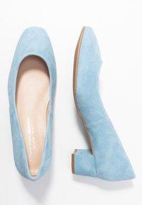 Brenda Zaro Wide Fit - WIDE FIT AINARA - Classic heels - celeste - 3