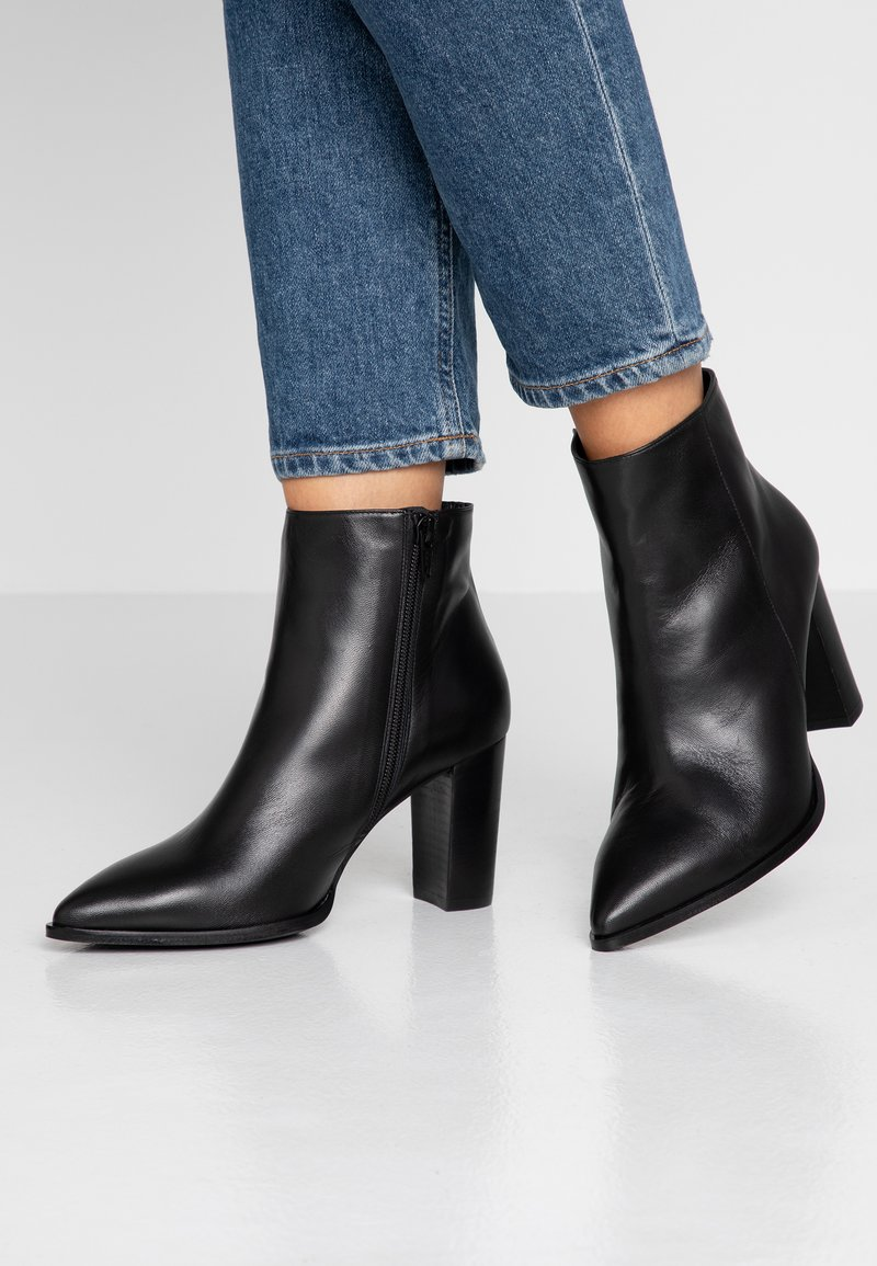 Brenda Zaro Wide Fit - WIDE FIT DIANBO - Ankle Boot - black