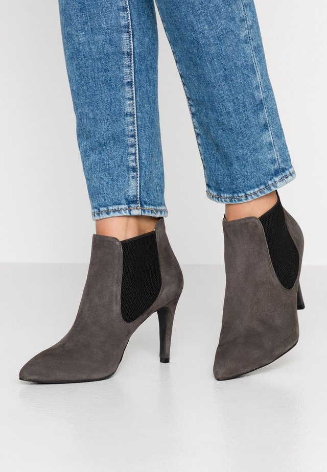 WIDE FIT DIANBO - High heeled ankle boots - grey