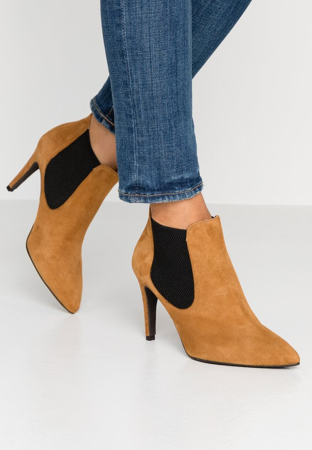 WIDE FIT DIANBO - High heeled ankle boots - cognac