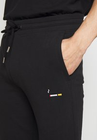 Bricktown - PANTS CIGARETTE - Tracksuit bottoms - black - 5
