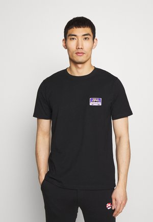 CASSETTE TAPE SMALL - T-shirts med print - black