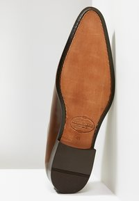 Brett & Sons - Zapatos con cordones - natur cognac - 4