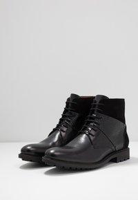 Brett & Sons - Šněrovací kotníkové boty - briso black - 2