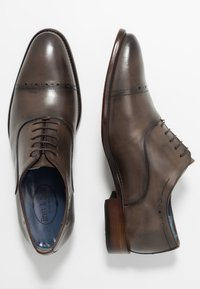 Brett & Sons - Elegantní šněrovací boty - natur nut - 1