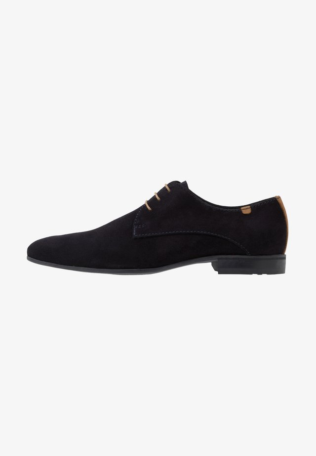Šněrovací boty - marine/cognac