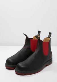 Blundstone - Classic ankle boots -  black/voltan - 2