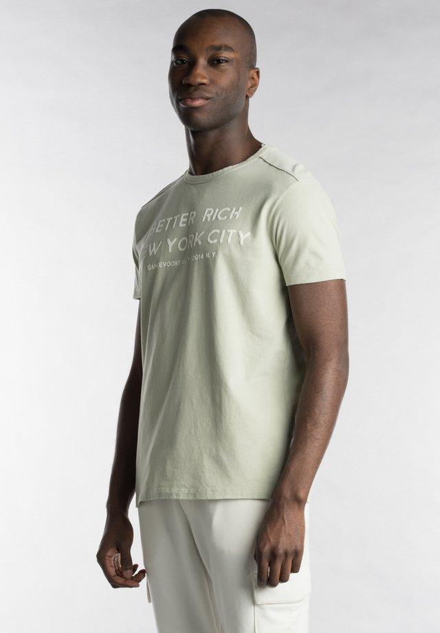 T-shirt print - sage green