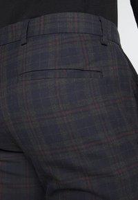 Ben Sherman Tailoring - OVERCHECK SUIT SLIM FIT - Suit - navy - 12